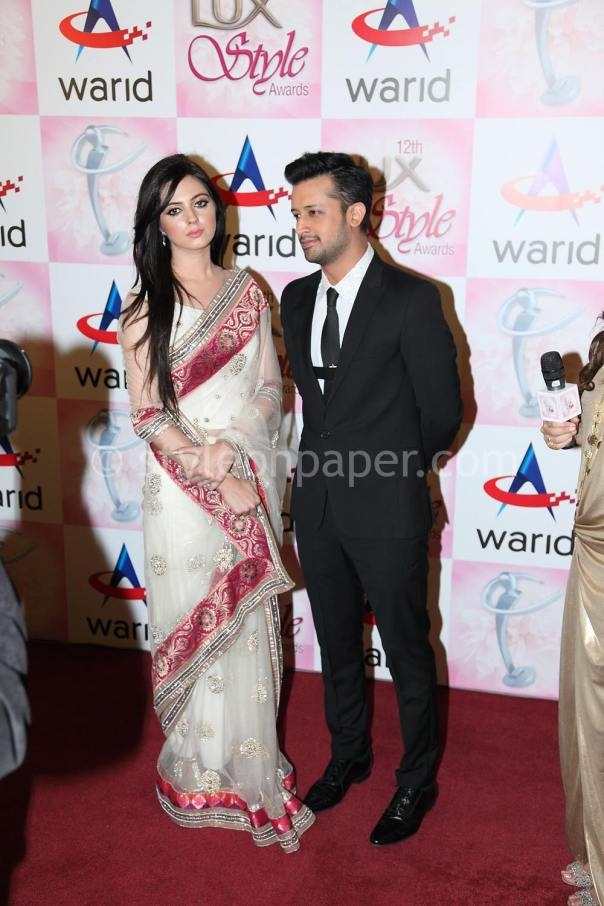 Atif-Aslam-&-Sarah-Aslam-at-Lux-Style-Awards-2013-1